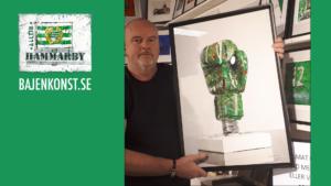 Auktion i pausen – Bajenkonst har skänkt en tavla